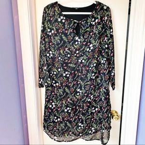 MODA BLACK FLORAL PRINT SHIFT DRESS WITH KEYHOLE